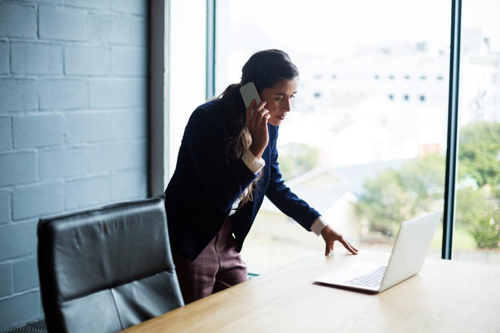 woman-desk-laptop